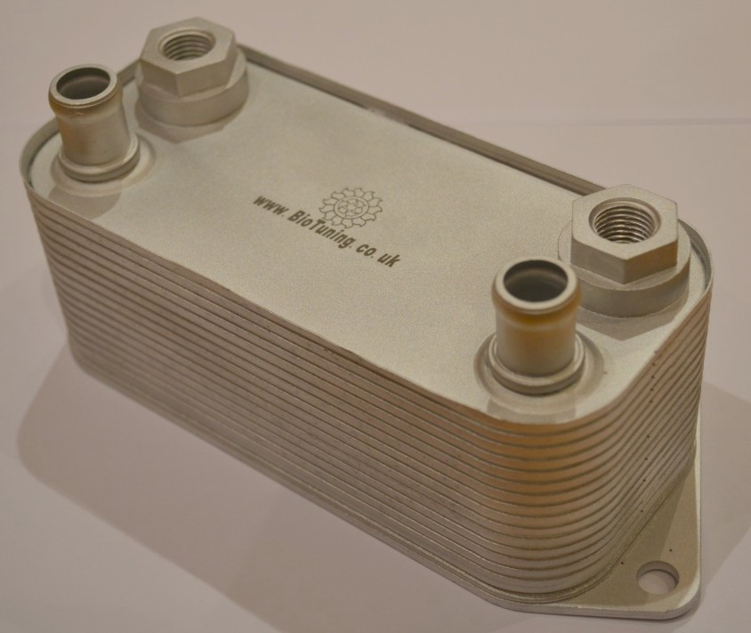 BioTuning powerful heat exchanger for vegetable oil conversion of diesel engines